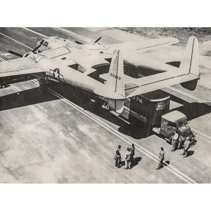 U.S. Air Force: Flugzeug auf dem Transport zur Front in Ostasien. Original Fotografie (1944-45)