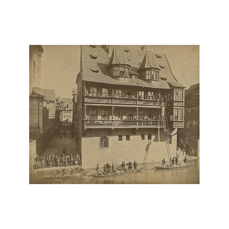 Wasserfeuerwehr-Übung an der Pegnitz. Original-Fotografie. Albumin-Abzug (ca. 1885)