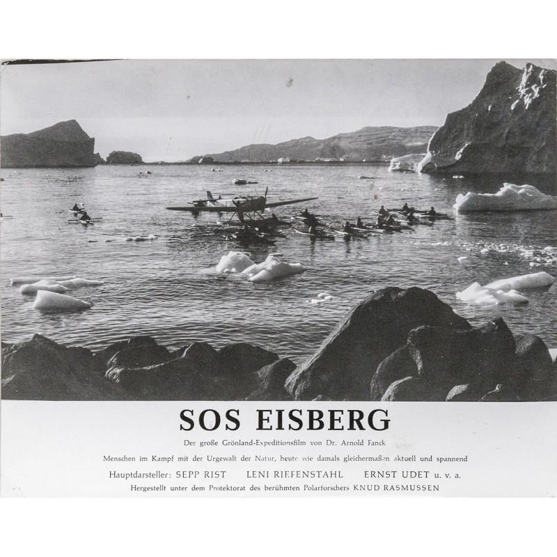 S.O.S. Eisberg Film von Dr. Arnold Fanck - Flugzeug im Eismeer mit paddelnden Eskimos, Grönland (1933)