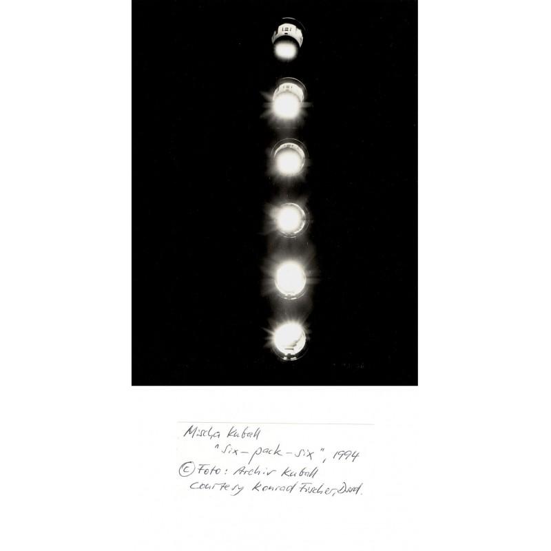 "Original-Fotografie von Mischa Kuball: Six-Pack-Six. Original-Schwarzweiss-Fotografie von Mischa Kuball: ""Six-Pack-Six"", 1994"