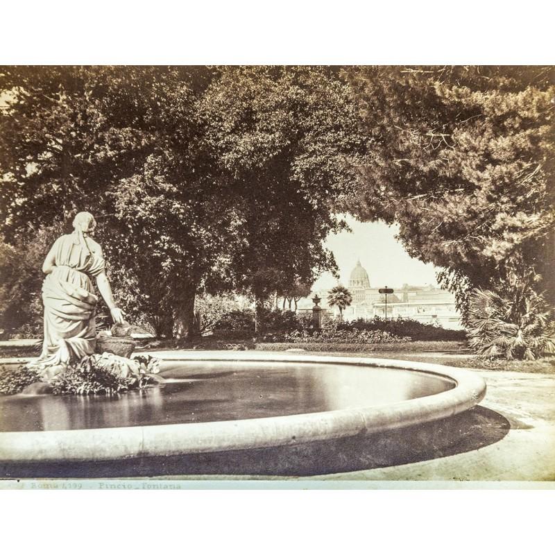 Anonymes Foto-Atelier: Rom - Roma. Pincio Fontana. Original Fotografie. Albumin-Abzug (ca. 1880).