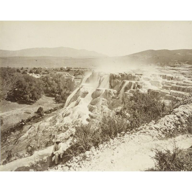 N.D. Phot: Sinterterassen von Hammam Mekoutine. Original Fotografie (ca. 1885)