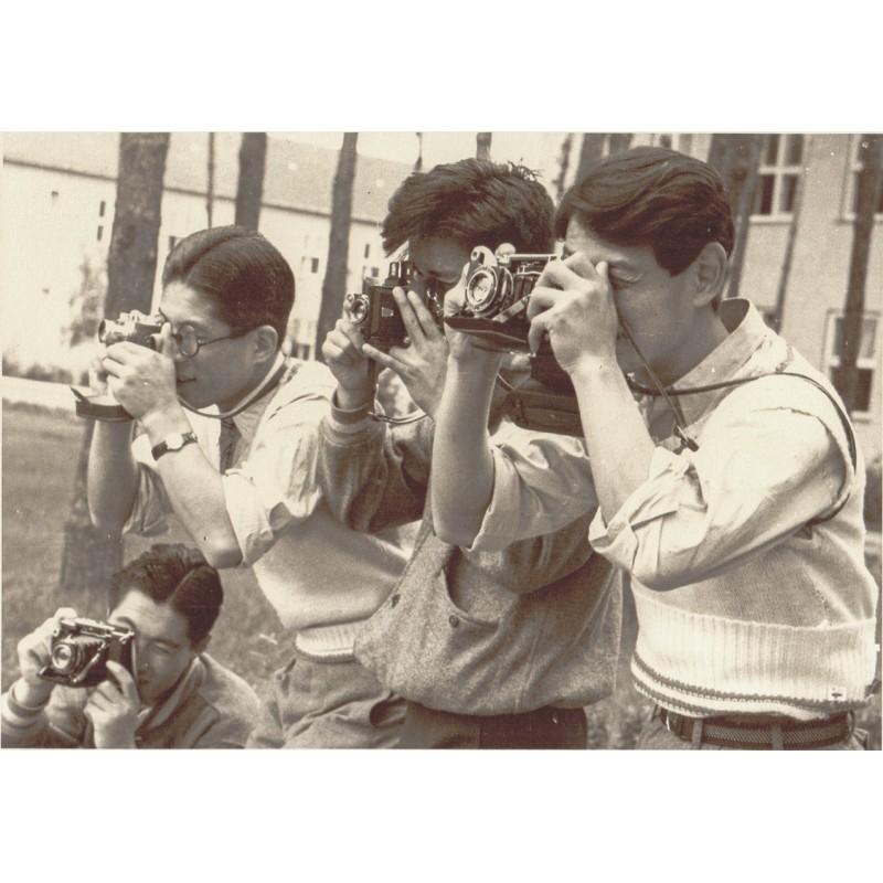 Schorer, Joseph: Olympiade Berlin 1936: Japanische Bildreporter im Einsatz. Original-Fotografie.