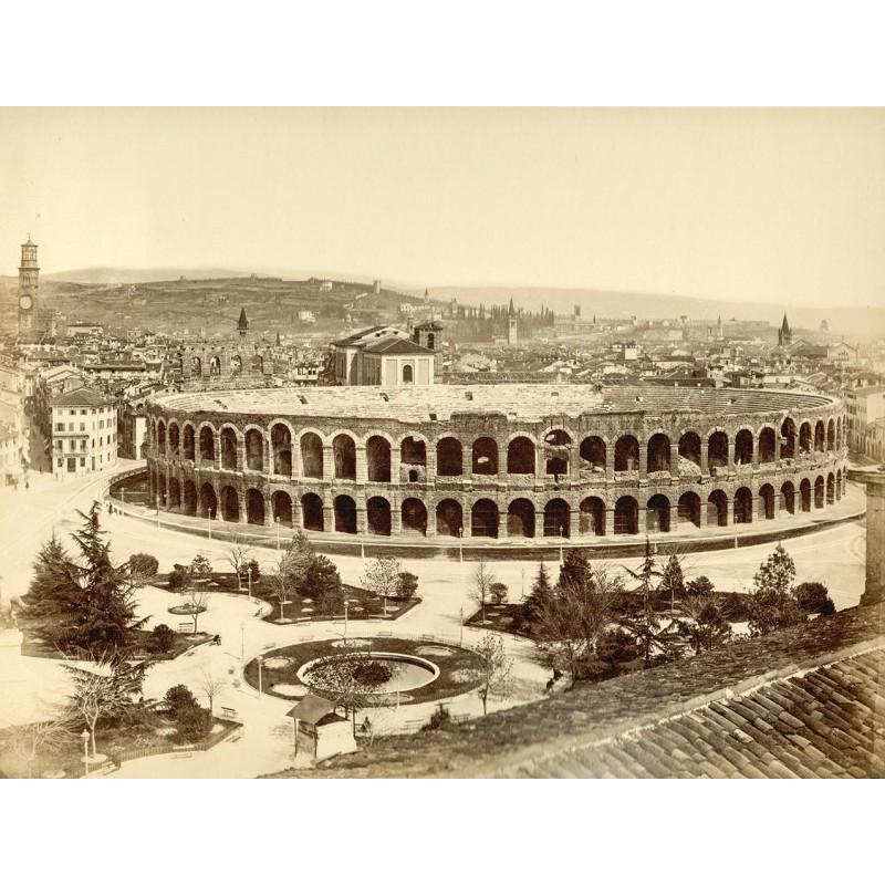 Ansicht des Amphitheaters (Arena) von Verona. Zwei Albumin-Abzüge (ca. 1885)