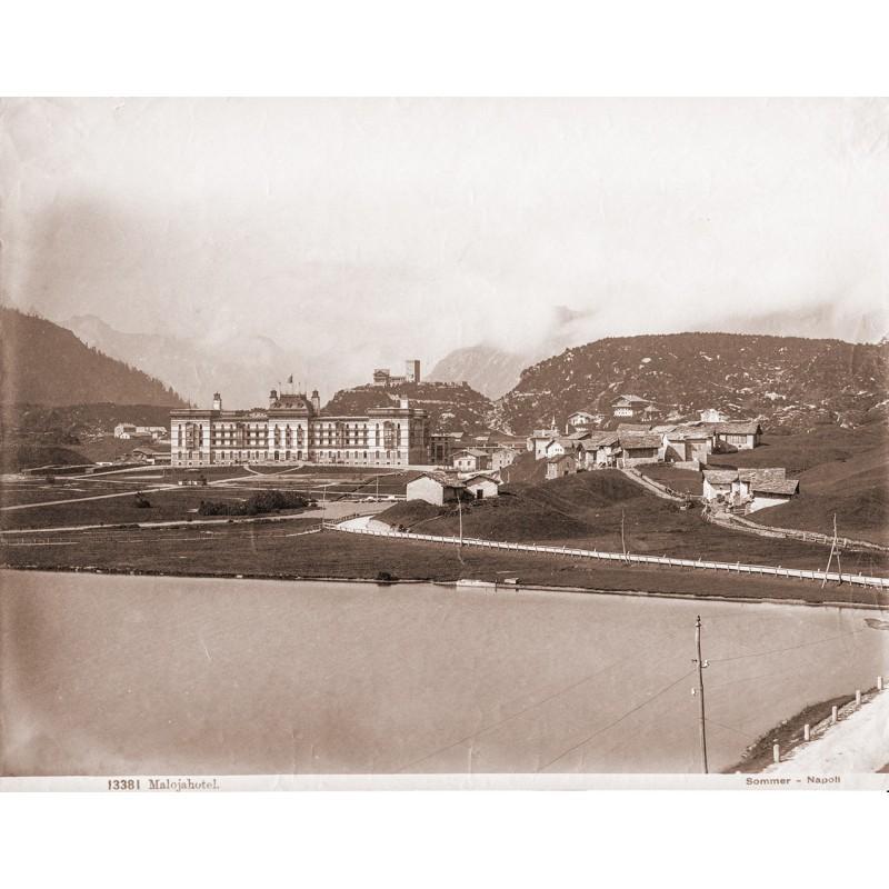 Maloja / Engadin: SOMMER, Giorgio:Maloja, im Vordergrund das Malojahotel. Original-Fotografie (ca. 1895).