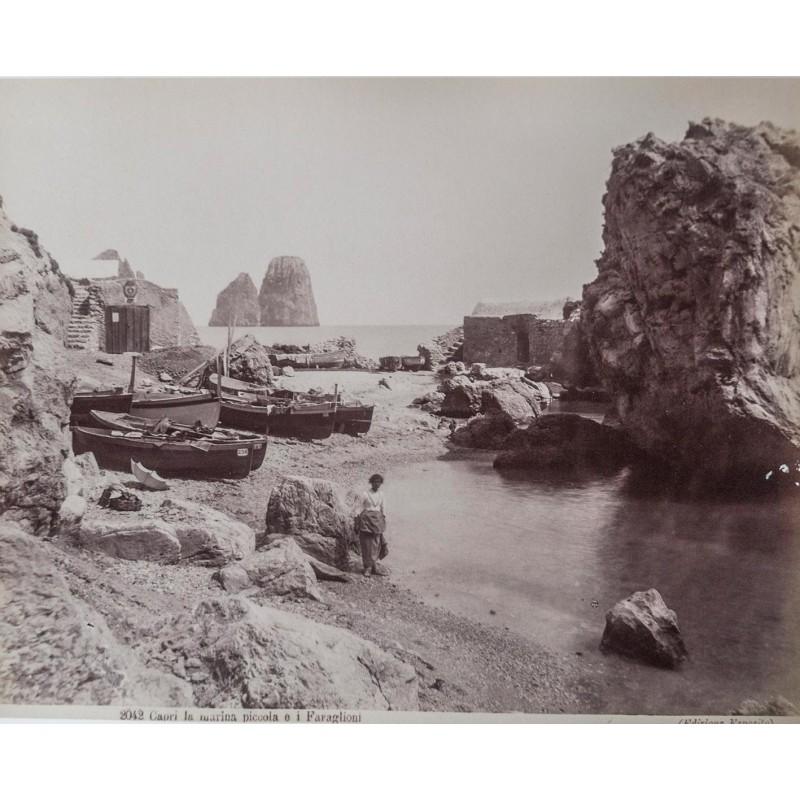 Capri - Editione Esposito: Capri la marina piccolo e I Faraglioni. Original Fotografie. Albumin Abzug (ca. 1880).