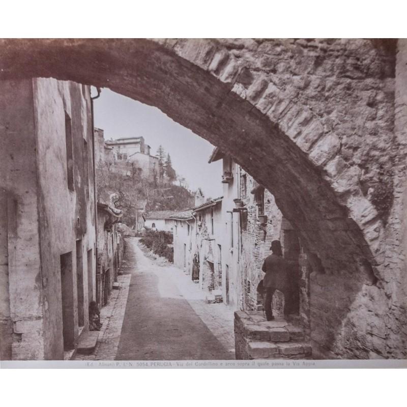 Editioni Alinari: Perugia. Via del Cardellino. Albumin-Abzug (ca. 1880).